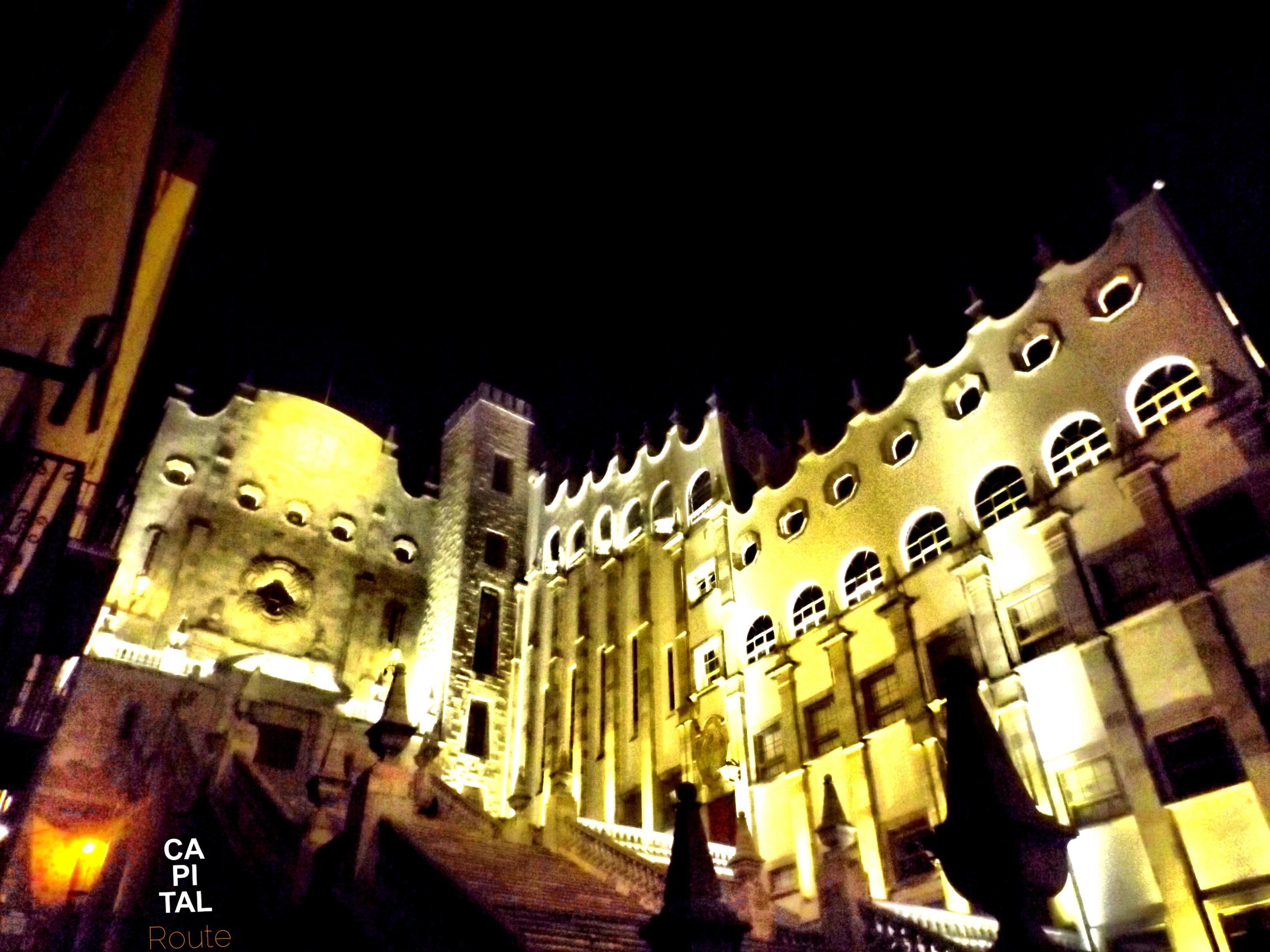 Universidad de Guanajuato paseo nocturno www.capitalroute.com